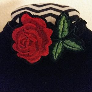 NWT Embroidered Rose and Velvet Choker